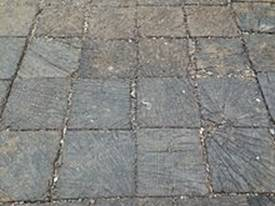 https://upload.wikimedia.org/wikipedia/commons/thumb/3/36/Wood_block_pavement_South_Camac_Street_-_details.jpg/220px-Wood_block_pavement_South_Camac_Street_-_details.jpg